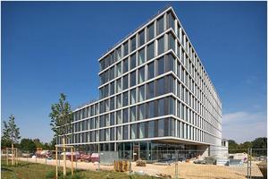Die TechBase, ein Bürogebäude mit Laborflächen, verfügt über ein besonderes Energiekonzept.