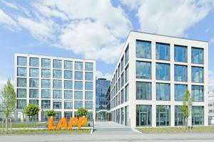 Am Firmenhauptsitz in Stuttgart-Vaihingen hat die Lapp-Gruppe ein Gebäude errichtet, das mit seinem Bürokonzept Maßstäbe setzt.