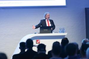 Experten wie Harald Conrad, technischer Berater Kältemittel bei der Westfalen Gruppe, informieren u.a. über die Auswirkungen der F-Gas-Verordnung. (Foto: Westfalen AG)