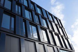Fassade mit CIGS-Dünnschichtmodulen<br />