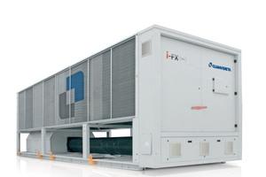 Mit neuen Produkten begegnen Hersteller von Kältemaschinen den Herausforderungen zur Steigerung der Energieeffizienz.