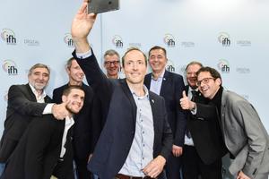 """Mit einem Selfie präsentierten sich die Teilnehmer auf der Online-Pressekonferenz zum Forum """"Digital vernetzt"""", das auf der IFH/Intherm 2018 eine große Rolle spielen wird."""