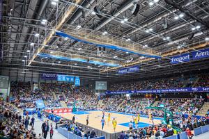 Die Frankfurter Fraport-Arena hat bereits die effizienten Frenger-Deckenstrahlungsheizungen installiert.