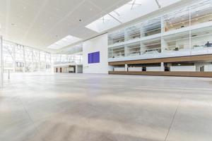 Das neue Foyer Messe Ost bildet einen attraktiven Zugang zum Messegelände in Essen.