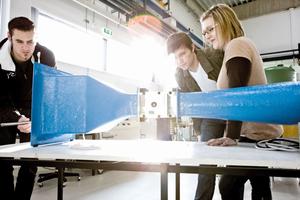 Viele Lehrveranstaltungen finden in einem topausgestatteten Labor für Gebäudetechnik und Gebäudeautomation statt.
