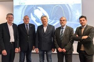Geschäftsführung und Vorstand der GET (v.l.n.r.):  Michael Kintzel (MeierGuss), Manfred Künze (Duktus), Jens Gebel (WET), Ulrich Bachon (GF GET) und Francesco Vitale (ACO Tiefbau)  Foto: GET