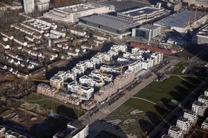 Luftaufnahme des neuen Wohnquartiers im Parkend Frankfurt  Foto: Züblin