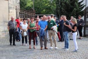 Teilnehmer des TGA-Golfevent vor der Besichtigung der unterirdischen Felsenkeller unter Bayreuth<br />