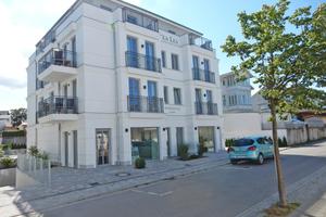 Neubau im Stil der ortsüblichen Bäderarchitektur: Das Aparthotel garni Villa Lea in Ahlbeck fügt sich harmonisch ins Ortsbild ein.