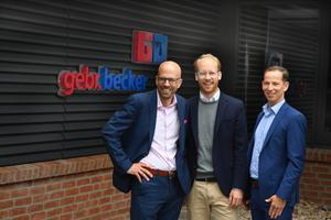 """Nils Becker, Maximilian Viessmann und Mark Becker (v.l.n.r.) bei der Einweihung von """"Heinrichs Werkstatt"""" in Höxter"""
