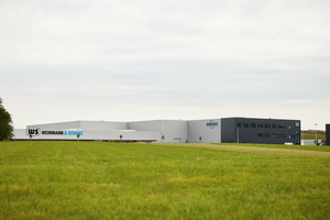 Die neue Lagerhalle von Weinmann & Schanz steht auf besonderem Grund und Boden.
