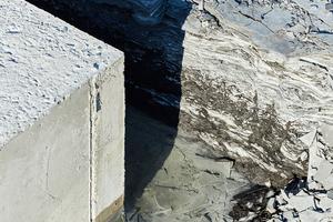 Bodenplatte, die aufgrund des Schiefergrunds vor Verdunstung geschützt werden muss