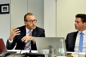 """""""Wir stellen uns im DIN regelmäßig der Aufgabe, ob wir in der nationalen Regelsetzung etwas tun oder anpassen müssen. Wenn ja, aktualisieren wir die Normen und bringen sie auf den neuesten Stand"""", erklärt Ottmar Lunemann."""