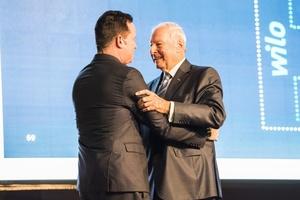 Oliver Hermes (links) wurde von Dr. Jochen Opländer zu seinem unternehmerischen Nachfolger benannt.