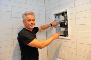 Als stellvertretender Technischer Leiter im Klinikum ist Andreas Dorf für den hygienegerechten Betrieb der Trinkwasseranlage verantwortlich.