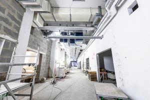 Installationsarbeiten im Gebäude