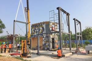 Das C-House wird auf der Ausstellungsfläche in China aufgebaut.