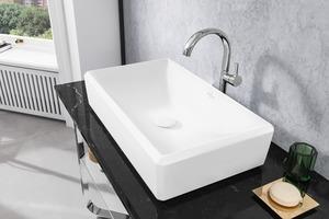 """Als erste Farbe der neuen Glasur """"TitanGlaze"""" sorgt Stone White für eine Keramik in strahlendem Weiß mit einer samtig-matten Oberfläche."""