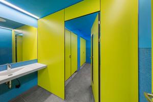 """WC-Trennwandsystem """"Primo"""" in Sonderfarbe Oliv U 19 509 VV"""