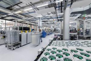 """Blick in die Produktion der """"Sinteso""""-Melder für den Brandschutz"""