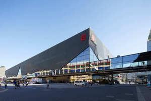 Im Oktober 2018 hat die Messe Frankfurt ihre neue Halle 12 eingeweiht. Mit 33.600 m² auf zwei Ebenen schließt das Bauwerk die letzte Lücke auf dem Westgelände der Messe.