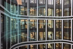 Die Produkte zur Gebäudesteuerung, multidisziplinären Gebäudemanagementsysteme und Softwareangebote aus dem Angebot von Siemens-Building Technologies lassen sich einfach an individuelle Anwendungen anpassen und bilden die Grundlage für digitalisierte Gebäude.