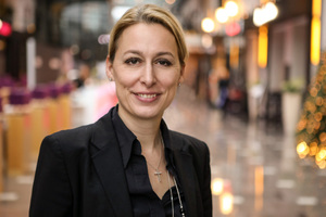 Dr. Christine Lemaitre konnte auf der Messe BAU in München ihr zehnjähriges Jubiläum bei der DGNB feiern.