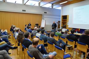 Der QualitätsVerbund Planer am Bau ermöglicht Architektur- , Planungs- und Ingenieurbüros die Erstellung eines Handbuchs für Qualitätsmanagement. Dafür arbeiteten Praktiker mit Studenten der Hochschule Karlsruhe an einem Klausurwochenende zusammen.