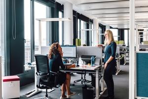 """Das """"The Grid"""" bietet helle, lichtdurchflutete Büros mit Raumautomation für 900 Mitarbeiter."""