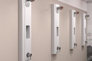 """Die aus einem Guss gefertigten """"Miranit""""-Duschpaneele mit nahtlos eingeformter Duschgelablage eignen sich auf Grund ihrer glatten, porenfreie Oberfläche besonders zur Ausstattung stark beanspruchter Duscheinrichtungen.<br />"""