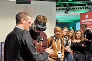 Schülerinnen und Schüler der Hubert-Sternberg-Schule in Wiesloch erleben bei BIM@ISH die Möglichkeiten virtueller Realität in der TGA.