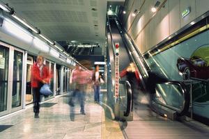 Rolltreppen aus Edelstahl Rostfrei halten in stark frequentierten U-Bahnhöfen, was ihre Optik verspricht.