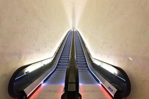80 m misst die längste Fahrtreppe Westeuropas aus Edelstahl Rostfrei in Hamburgs Elbphilharmonie.