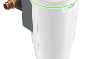 """Die Dosieranlagen """"exaliQ"""" regeln die Dosierung von Zusatz-Mineralstoffen zur Wasseraufbereitung und können über die Grünbeck-Schnittstelle """"iQ-Comfort"""" mit den """"softliQ""""-Enthärtungsanlagen kommunizieren. Eine App bietet dem Installateur erweiterte Bedienmöglichkeiten und unterstützt bei der Wartung."""