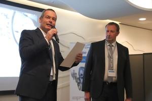 Jochen Hornung (links), Geschäftsführer engie Deutschland, und Christian Bremer, Geschäftsführer Condair Deutschland, begrüßten rund 175 Teilnehmer zum Effizienz-Forum in der Elbphilharmonie Hamburg.