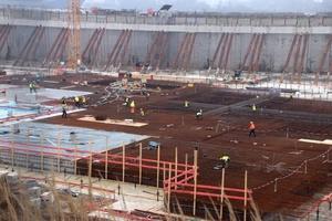 Blick auf die Baustelle des Westfield Hamburg-Überseequartier der Hamburger HafenCity im April 2019