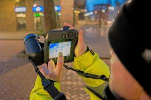 Mit 1-Touch Level/Span können Nutzer den Kontrast zwischen ihrem Ziel und dem Hintergrund per Fingertipp erhöhen.