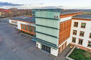 Am Energiekompetenzzentrum des Standorts Riesa der Berufsakademie Sachsen können Studenten einem Versuchsstand die Durchführung des hydraulischen Abgleichs erlernen.