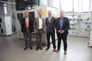 Dietmar Goennheimer (AREA Manager MEHITS), Dror Peled (General Marketing Manager LES), Luca Gissi (Comfort and Process Regional Sales Manager MEHITS) und Michael Lechte (Manager Product Marketing LES) (v.l.n.r.)  im Climaveneta-Schulungszentrum in Italien