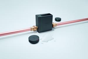 """Das """"hansgrohe Pontos""""-Wassermanagementsystem aus """"Pontos Base"""" und den """"Pontos Scout""""-Sensoren."""