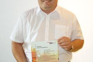 Mit dem Zertifikat des Instituts für Solartechnik SPF der Hochschule für Technik in Rapperswil erhielt die Zortea Gebäudetechnik GmbH und ihr Technischer Leiter Ing. Christian Zortea-Soshko einen weiteren Effizienznachweis für die patentiere Zortström-Technologie.