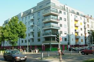 Grauwasserrecycling und Wärmerückgewinnung für 123 Personen im Passivenergie-Mietshaus am Arnimplatz in Berlin-Prenzlauer Berg mit 41 Wohn- und 4 Gewerbeeinheiten.