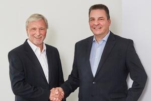 Perfekt vorbereitete Übergabe: Andreas Feix (links), der scheidende Geschäftsführer, wünscht seinem Geschäftsführerkollegen Reinhard Schwenk weiterhin viel Erfolg und alles Gute für die Zukunft.