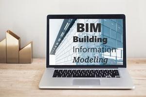 """Viele Unternehmen der Baubranche haben keine Strategie zur Implementierung von BIM. Der Zertifikatslehrgang """"Fachingenieur BIM VDI"""" bietet die Möglichkeit, sich in einem Zukunftsthema weiterzubilden."""