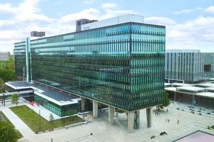 Mit den Modernisierungen am Atlas-Gebäude der Technischen Universität Eindhoven (TU/e) sollen die Treibhausgasemissionen um voraussichtlich 80 % und Energieverbrauch bei der Beleuchtung um bis zu 60 % verringert werden.