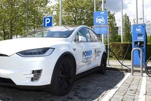 Die Vorteile von E-Flotten liegen im laufenden Betrieb in der Kombinierbarkeit von E-Mobilität mit dem eigenen erzeugten PV-Strom.