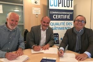 Erick Melquiond, Dr. Stefan Plesser und Frank Hovorka (v.l.n.r.) bei der Copilot-Vertragsunterzeichnung am 11. Oktober 2019