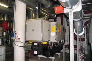 ... mit angeschlossener Adsorptionskälteanlage große Teile der Heiz- und Kühllast abdecken.