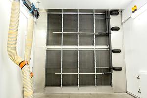 """<irspacing style=""""letter-spacing: -0.005em;""""></irspacing><irspacing style=""""letter-spacing: -0.005em;"""">In der großen ATP-Prüfkammer sind</irspacing> 198 kW Kälteleistung bzw. ein Luft-Volumenstrom von 90.000m<sup>3</sup>/h installiert. Die Ventilatoren sind für den Einsatz bei –40 bis +50 °C optimiert."""
