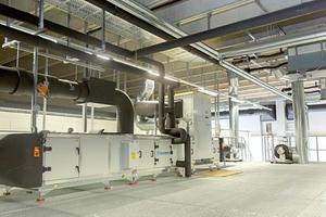 Jeder ATP-Klimakammer ist ein RLT-Gerät zugeordnet, das in einem Zwischengeschoss über den Prüfkammern montiert ist.
